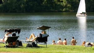 Sommerwetter am See (Quelle: dpa)