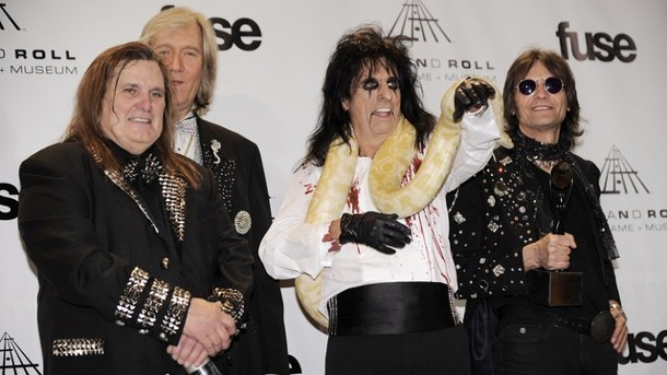 Musik: Alice Cooper hat seine alte Band wiederbelebt. Michael Bruce (l-r), Neal Smith, Alice Cooper und Dennis Dunaway 2011 in New York.