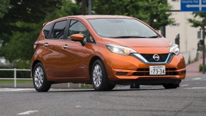 Japan: Nissan Note E-Power stößt Toyota Prius vom Thron