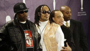 Kidd Creole (r) mit der Band The Furious Five.