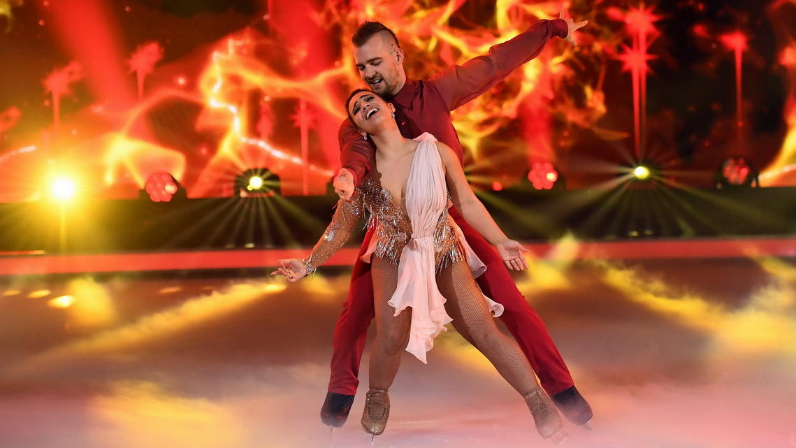 """Dancing on Ice""-Jury feiert Eric Stehfest für Rekord-Performance"