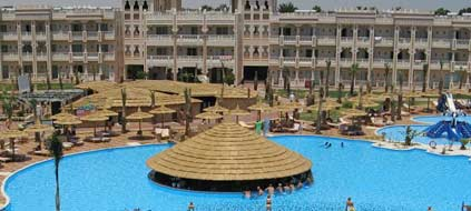 "Das ""Alabtros Palace Resort"" in Hurghada (Foto: Holiday Check)"
