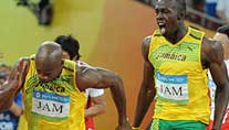 Powell und Bolt siegten in Peking in der Staffel (Foto: imago)