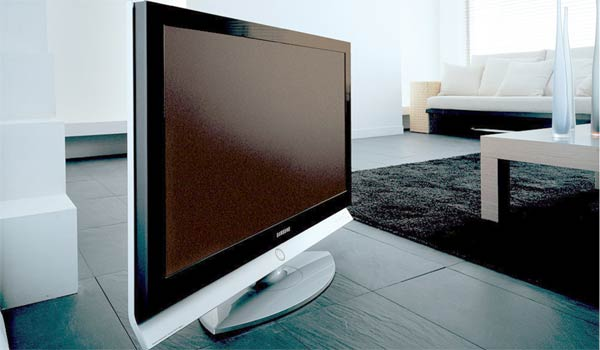 hdtv tauglicher lcd fernseher von samsung montage t 1. Black Bedroom Furniture Sets. Home Design Ideas