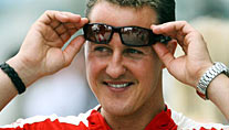 Michael Schumacher fliegt ins All (Foto: imago)