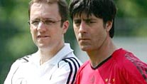 Tim Meyer (links) und Bundestrainer Joachim Löw (Foto: imago)