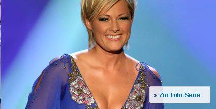 helene fischer zeigt sexy dekollet. Black Bedroom Furniture Sets. Home Design Ideas