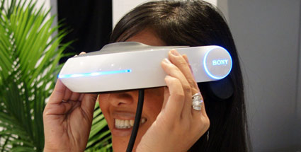 """Virtual Reality"": Sony-Manager erwartet Comeback. CES 2011: Sony stellt 3D Head Mounted Display vor (Biild: Sony)"