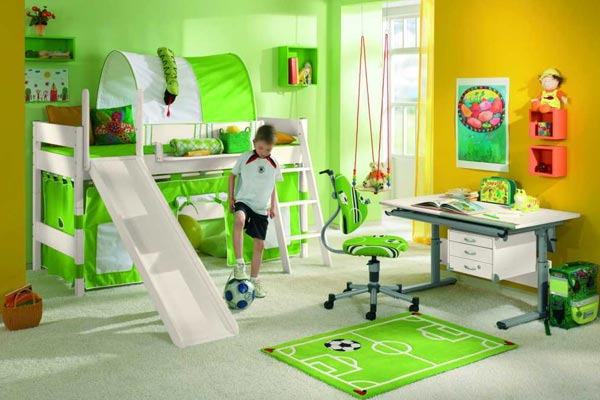 das kinderzimmer f r den fu ball fan alles dreht sich um. Black Bedroom Furniture Sets. Home Design Ideas