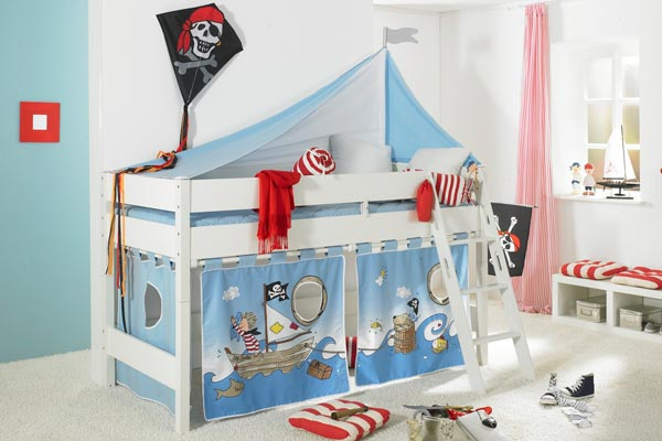 das kinderzimmer als aufregendes piratennest foto paidi. Black Bedroom Furniture Sets. Home Design Ideas