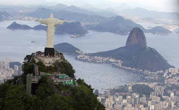 die jesus figur auf dem corcovado die gr te der welt sei doch foto reuters bruno domingos. Black Bedroom Furniture Sets. Home Design Ideas
