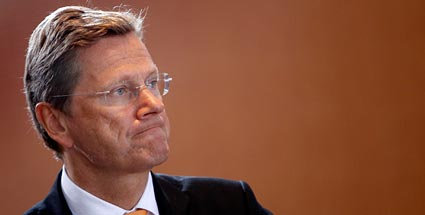 guido westerwelle steht der au enminister vor dem aus. Black Bedroom Furniture Sets. Home Design Ideas