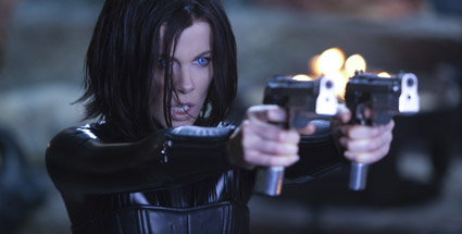 """Underworld Awakening"": Vampir-Werwolf-Schlacht goes 3D. Kate Beckinsale kehrt in 3D als sexy Vampirjägerin Selene in ""Underworld Awakening"" zurück. (Foto: Sony Pictures)"