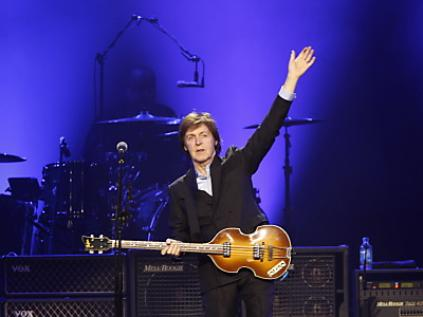 Ex-Beatle Paul McCartney in Köln umjubelt.