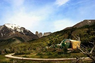 Glamping-Anlage in Chile mitten im Torres del Paine Nationalpark. (Quelle: EcoCamp Patagonia)