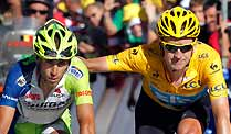 Tour de France 2012: Wiggins bleibt bei Attacken der Konkurrenz ganz Cool. Trost von Spitzenreiter Wiggins: Nibalis Attacken verpufften (Quelle: Reuters)