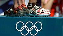 Olympia: Positive Doping-Befunde bei Nachuntersuchungen von Athen. Bei Nachuntersuchungen der Olympischen Spiele 2004 hat es wohl fünf positive Doping-Befunde gegeben. (Quelle: imago)