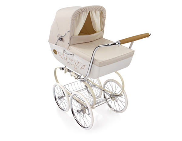 f r papas kleine prinzessin gibt es diesen retro kinderwagen auch in creme und wei 11. Black Bedroom Furniture Sets. Home Design Ideas