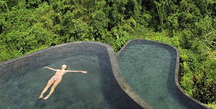 Die Top 10 der Pool Hotels . Panorama-Pool auf Bali. (Quelle: trivago)