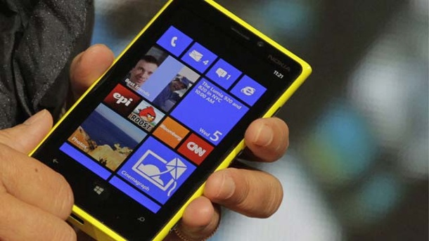 Nokia stellt neues Lumina Smartphone vor (Screenshot: Reuters)