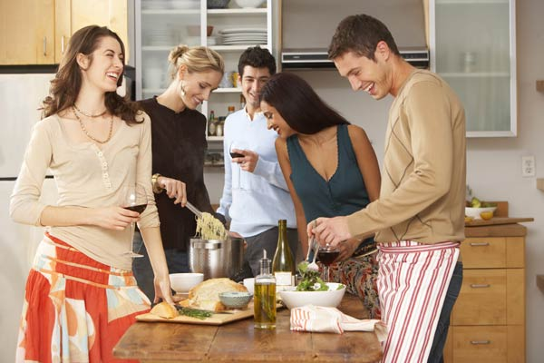 Jumping Dinner (Quelle: Thinkstock by Getty-Images)