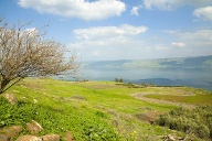 Serpentinen am See Genezareth in Israel. (Quelle: Thinkstock by Getty-Images)