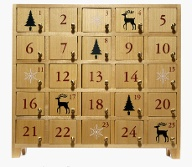 Ein Adventskalender aus Holz (Quelle: Thinkstock by Getty-Images)