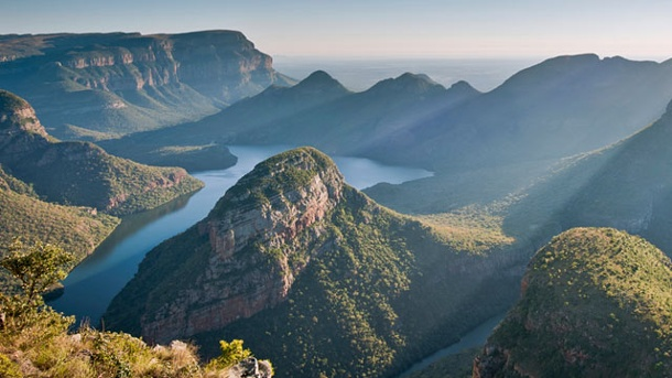 Blyde River Canyon: der Grand Canyon Afrikas. Faszinierende Lichtspiele im Blyde River Canyon. (Quelle: imago images)