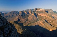 "Blyde River Canyon: Blick auf die ""Three Rondavels"". (Quelle: imago images)"