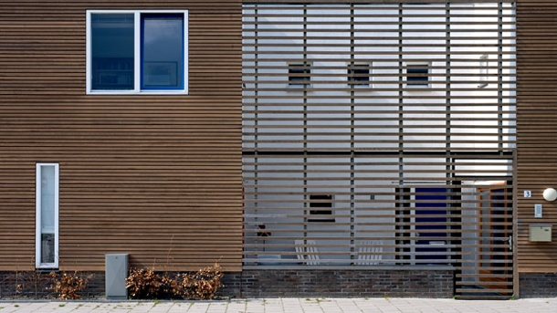 Moderne Holzfassade. (Quelle: Thinkstock By Getty Images)