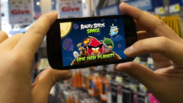 Android: Trojaner lockt mit Angry Birds Gratis-Download. Angry Birds Space (Quelle: imago/Xinhua/t-online)