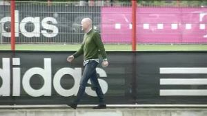 Sammer plant Trainingsplatz-Revolution. (Screenshot)