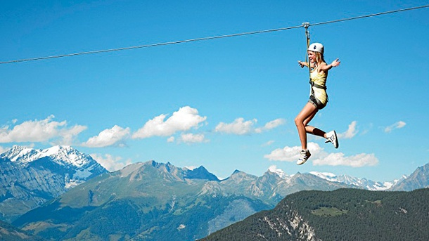 Im Wallis locken hochalpine Fun & Action . Abenteuerwald Vercorin (Quelle: Valais/Wallis Promotion - Aline Fournier)
