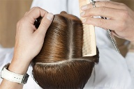 Friseure gehören zu den Niedrigverdienern (Quelle: Thinkstock by Getty-Images)
