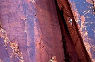 "Stephan Siegrist klettert die Route ""Annunaki 5.12 trad"" in Indian Creek in Utah, USA. (Quelle: visualimpact.ch/Rob Frost)"