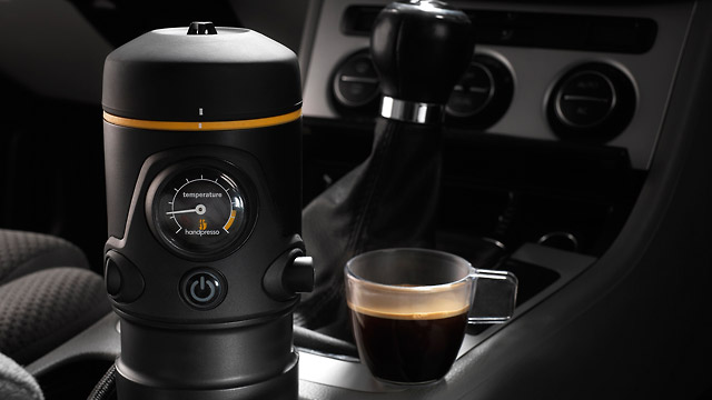 handpresso espresso maschine f r den autofahrer. Black Bedroom Furniture Sets. Home Design Ideas