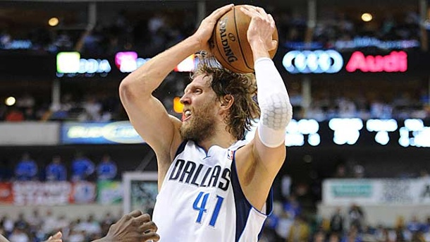 NBA: Rückschlag für Nowitzkis Mavericks. Rasieren verboten: Dirk Nowitzki und die Dallas Mavericks. (Quelle: imago/ZUMA Press)