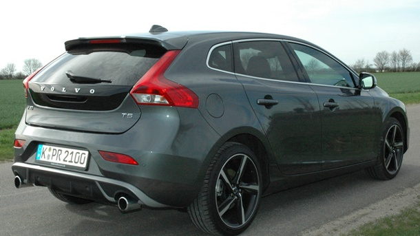 volvo v40 t5 r design autotest mit 256 ps. Black Bedroom Furniture Sets. Home Design Ideas