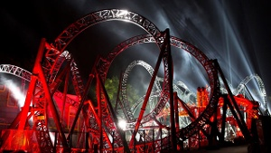 """The Smiler"": Weltrekord-Achterbahn mit 14 Loopings"