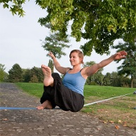 Trick auf der Slackline (Quelle: Thinkstock by Getty-Images)