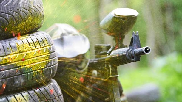 Rechtslage beim Paintball: Vorgaben in Deutschland. Paintball-Markierer fallen unten das Waffengesetz (Quelle: Thinkstock by Getty-Images)