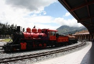 Ordentlich was unter der Haube: Pittoreske Lokomotive am Bahnhof Chimbacalle in Quito.  (Quelle: Christina Horsten)