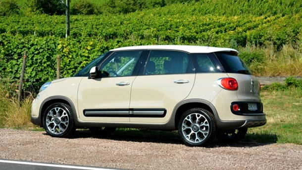 fiat 500 l trekking autotest locker leicht und luftig. Black Bedroom Furniture Sets. Home Design Ideas