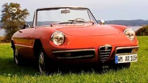 Klassiker: Der Alfa Romeo Spider Duetto (Screenshot: Deutsche Welle)