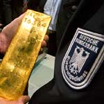 Bundesbank-Gold aus New York, im Bild Goldbarren Nr. 16.384 (Quelle: dpa)