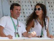 Lothar Matthäus und seine Freundin Anastasia wohnen dem Rennen als Zuschauer bei. (Quelle: AP/dpa)
