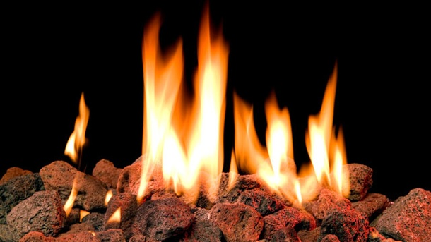 . Der Lavasteingrill hat in der Regel kein offenes Feuer (Quelle: Thinkstock by Getty-Images)