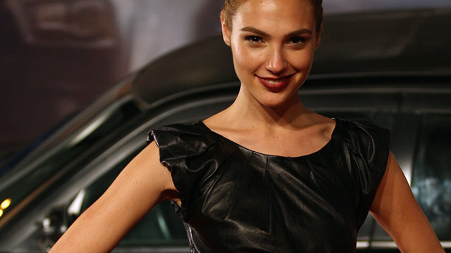 batman vs superman ehemalige miss israel gal gadot wird wonder woman. Black Bedroom Furniture Sets. Home Design Ideas