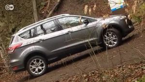 Ford Kuga im Test (Screenshot: Deutsche Welle)