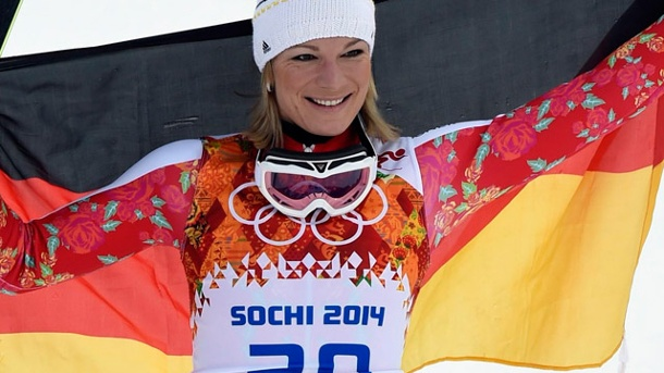 Maria Höfl-Riesch holt in Sotschi Gold in der Super-Kombination. Gold! Maria Höfl-Riesch siegt in Sotschi in der Super-Kombination. (Quelle: dpa)